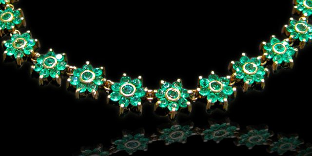 Flores Esmeraldas Oro 18K