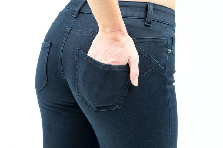 Super soft high stretch Denim Push Up Lavanda Cola Stretch Skinny Jeans In Dark Blue. Built in stretch lifts to sculpts your rear Mid rise waist skinny jeans.