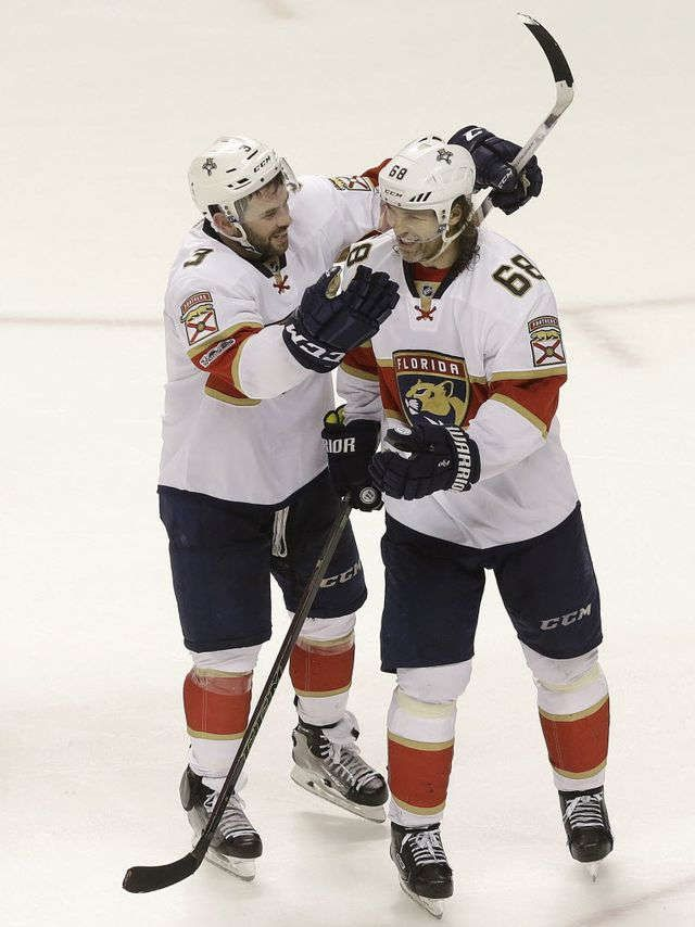 Jaromir Jagr records 1,900th point on 45th birthday, Panthers win in OT  2-15-2017