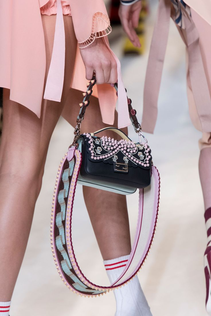 Tassen Trend Zomer 2017 : Best images about bag trends on spring