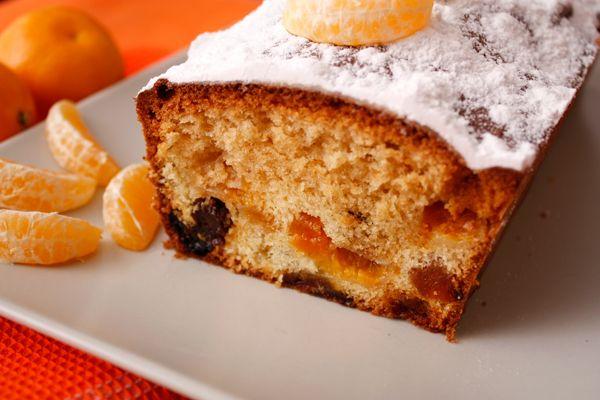 Если вы любите цитрусовые, то этот кекс точно придется вам по вкусу. Карамелизованные мандарины, кумкват и апельсиновый ликер составляют очень ароматную и вкусную композицию.