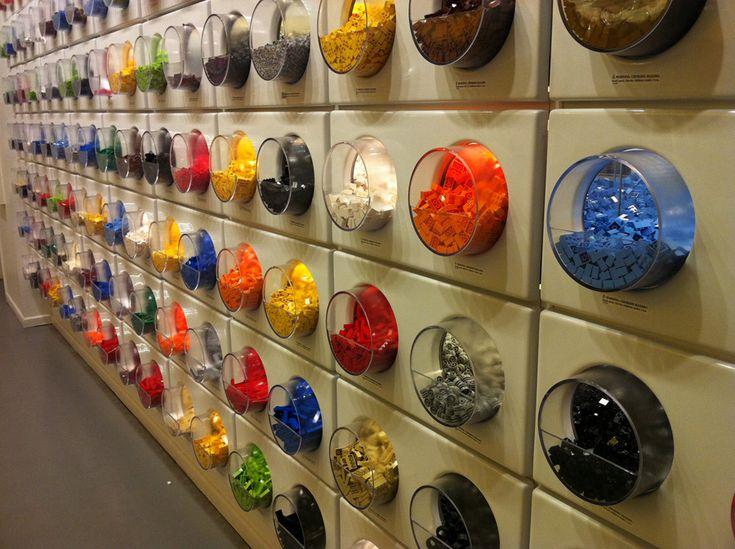 69fea744eee926783d40e75586751fa1  pick a brick lego store