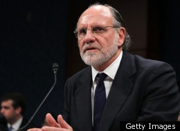 WASHINGTON — A former MF Global executive is contradicting testimony from Jon Corzine, saying the former senator ordered the transfer of $200 million last fall out of a customer account days before the firm collapsed, according to an email obtained by congressional investigators.