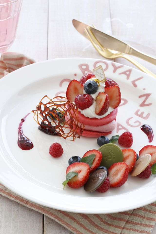 バレンタインのデザートを、盛りつけテクでワンランクアップ!