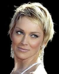 Bildresultat för korta frisyrer för äldre kvinnor
