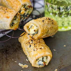 Feta Ricotta and Spinach Roll recipe. Easy to bake Feta Ricotta and Spinach rolls, made from puff pastry, frozen spinach and ricotta cheese.