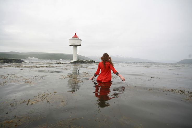 Elskar Fyr (High Tide), 2006 #fineart #photography #susannamajuri #underwater
