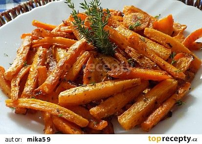 Mrkev pečená v tymiánovém jogurtu recept - TopRecepty.cz