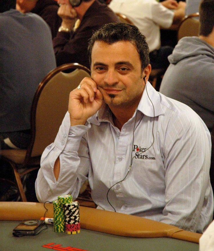 Joe Hachem is een bekende #onlinepoker speler die $ 11,8-miilon live toernooien gewonnen