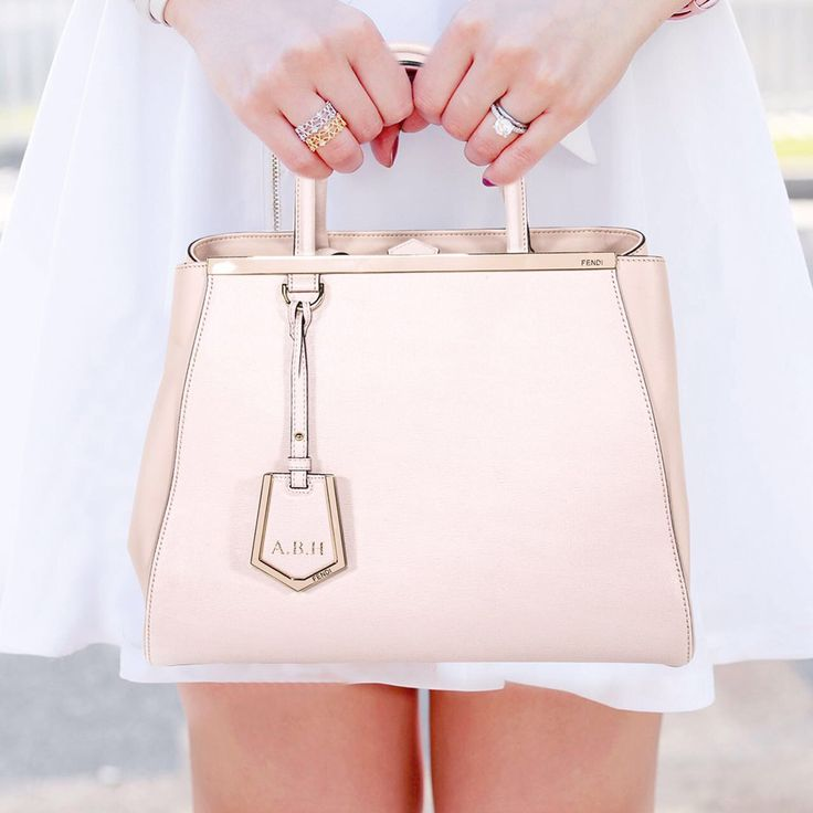 We guarantee the authenticity of this bag or your Full Money Back. The bag has been inspected and authenticated by our experts. Description: Authentic Fendi 2Jours Tote Bag Details: Light Pink Leather