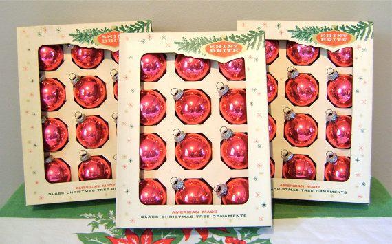 Vintage Christmas Decorations: Christmas Decor I, 1950 S Christmas, Vintage Christmas, Christmas Holidays, Events Christmas, Christmas Decorationsi, Christmas Wish, Christmas Bliss, Christmas Ornaments