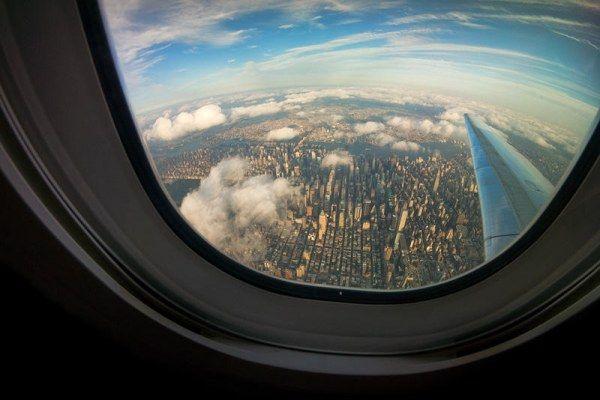 Множество преимуществ места у окна в самолёте (22 фото)