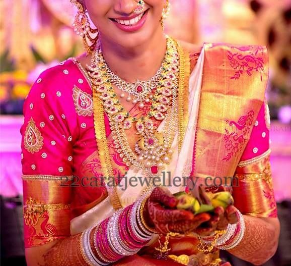 Jewellery Designs: South Indian Bride Evergreen Jewelry