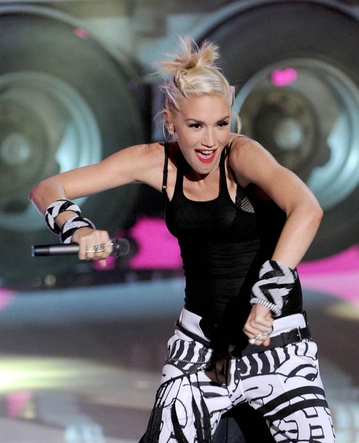 2012 Teen Choice Awards - Love her pants!