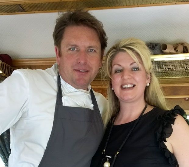 #MODEeats a Sunday lunch cooked by James Martin aboard the luxurious Belmond Northern Belle. Here MODE's Coral enjoys a selfie with James. https://www.modeforluxury.co.uk/review-james-martin-aboard-the-belmond-northern-belle/
