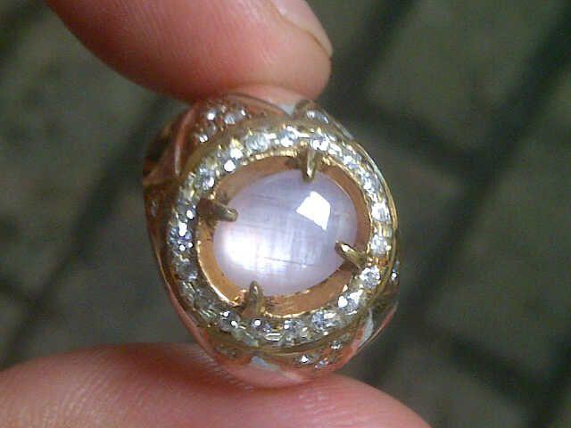 batu white sapphire