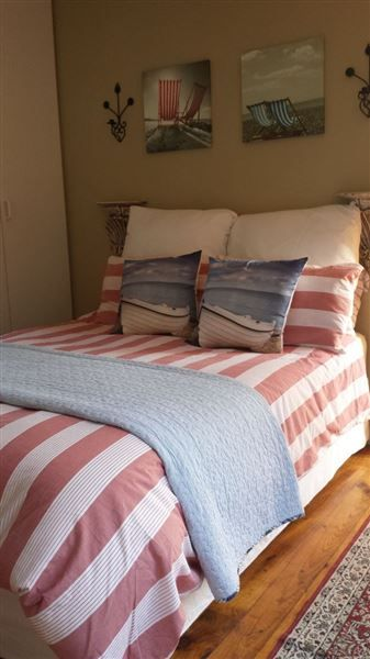 Seaside Cottage - Seaside Cottage offers comfortable self-catering accommodation in Wilderness, just a short distance away from the beach.  It is ideal for families and small groups.There are two well-appointed bedrooms, ... #weekendgetaways #wilderness #gardenroute #southafrica