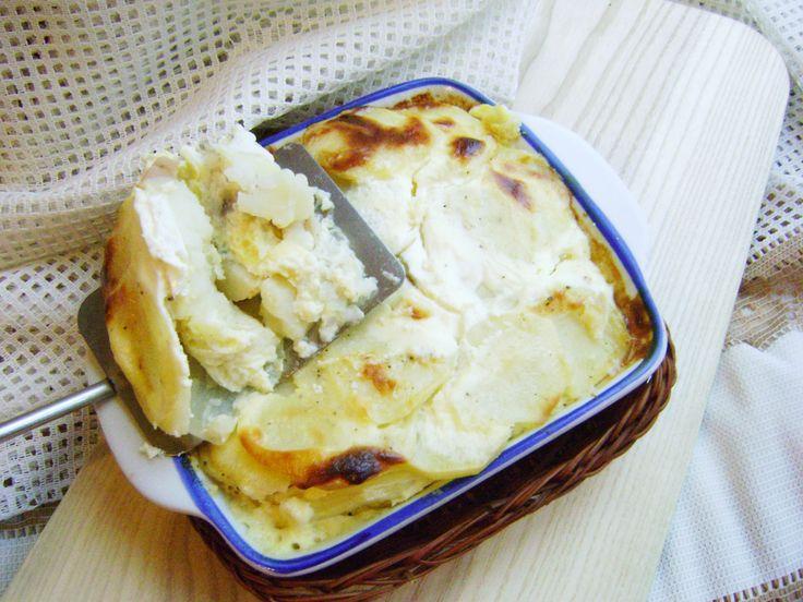 Картофель «Дофинуа» по-французски знаменит во всем мире. Картошка по-французски в духовке рецепт с фото пошагово! Картошечка выходит необычная