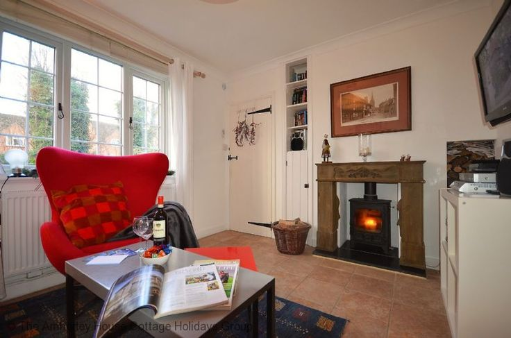 Honeypot Cottage   Sleeps 4   Petworth.  A delightful two bedroom cottage with stunning views of the Petworth countryside and great access to local attractions. This cosy cottage has a wonderful, relaxing lounge with a woodburner as well as a spacious rear deck area with delightful views and direct access to countryside walks!