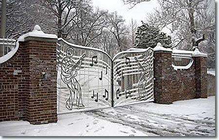 Tennessee- Graceland Gates home of Elvis Presley