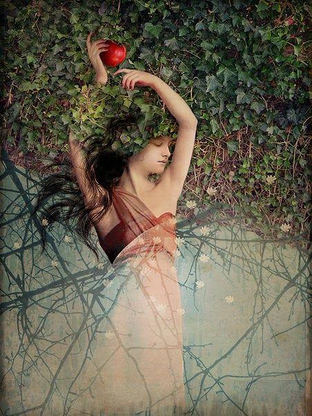 Snow White by Catrin Welz-Stein