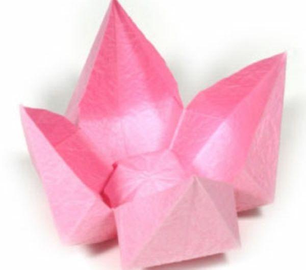 origami-facile-fleur-un-jeu-amusant-rose-duration-faire-fleurs