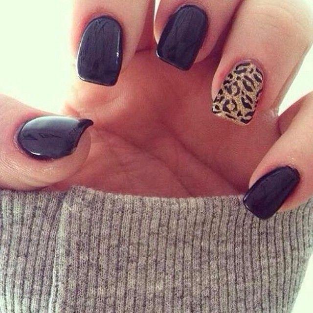 Black&Chettah print nails