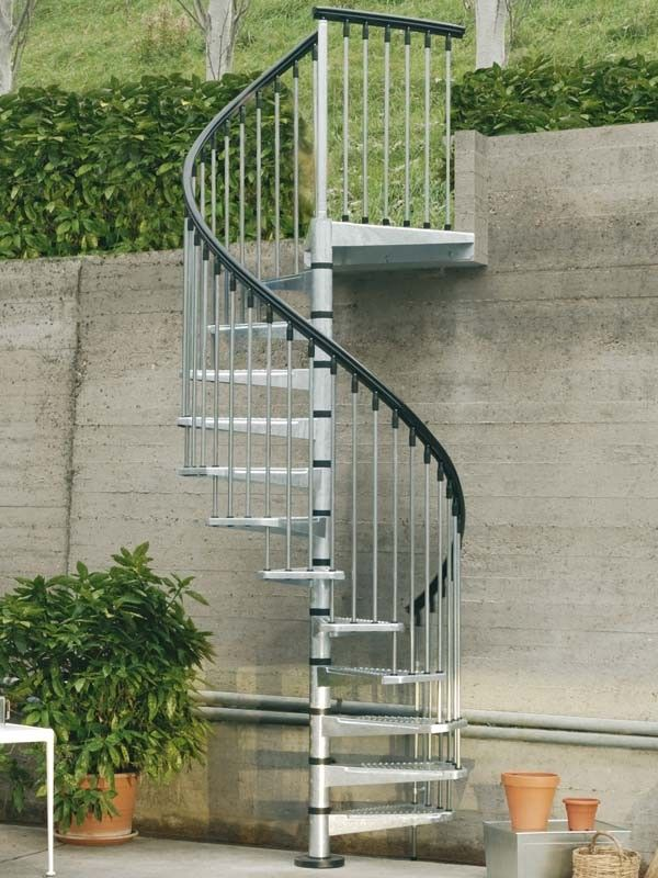 Enduro Steel Outdoor Spiral Staircase by Arke Fontanot