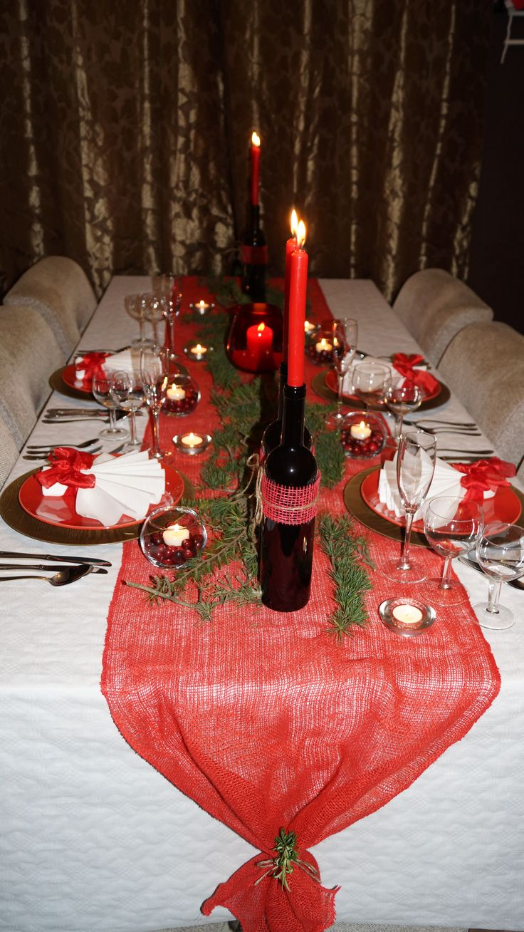 christmas table setting with red burlap table runner & 41 best my table setting for christmas \u0026 new year images on ...