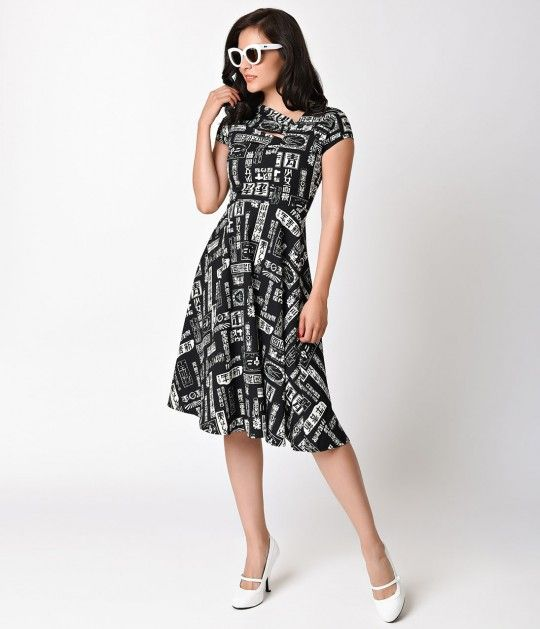 Pull out the passport, dames, therere some sights to see! This flattering frock…