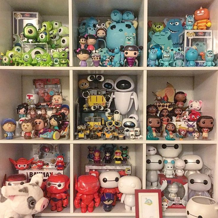 #FunkoPhotoADay Day 11: Disney! My Toy Story collection is too hard to get in one photo so I decided to show off the updated version of my favorite display! Don't @ me but I bumped Inside out for Moana #funko #Disney #pixar #monstersinc #wreckitralph #walle #moana #bighero6