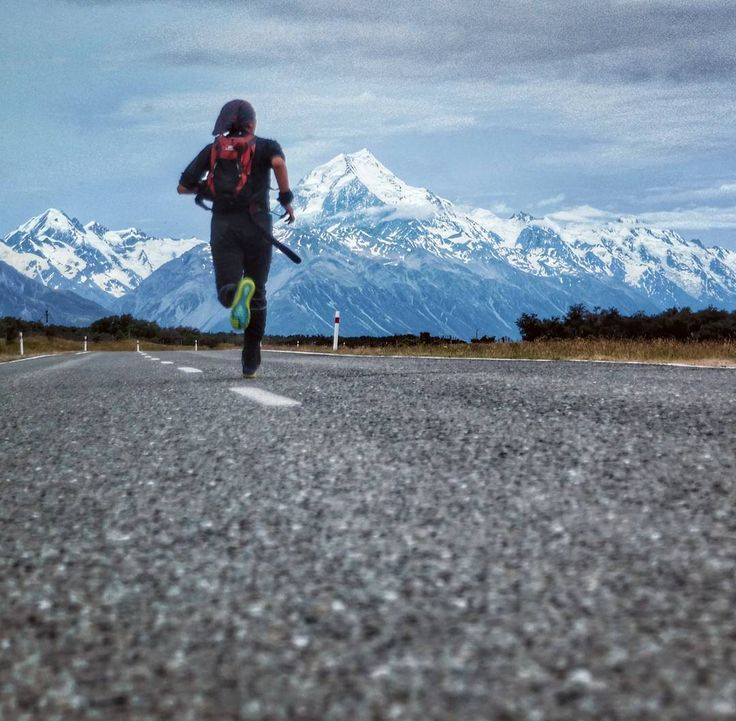 Take me to the mountains  #running #runningphotography #mountcook #mtcook #newzealand #southislandnz #takemeback #mountainlover