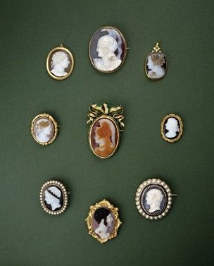 hardstone cameo brooches in the british Museum