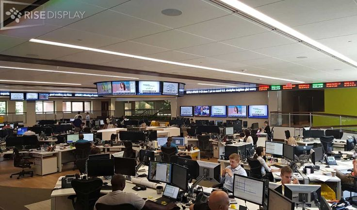 This trading floor in Minnesota features a 290-foot long commodity trading floor tickerusing C-scape JetStream softwareshowing real-time CME commodity prices from Thomson Reuters. The 32 pixel tall ticker wraps all 4 walls ensuring traders can see the latest prices from any position.