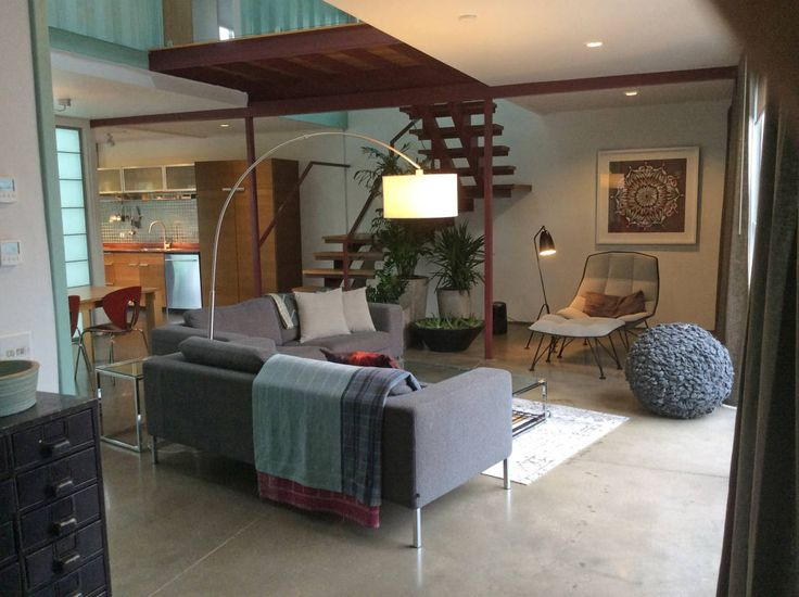Living room : Salones de estilo moderno de Ecosa Institute