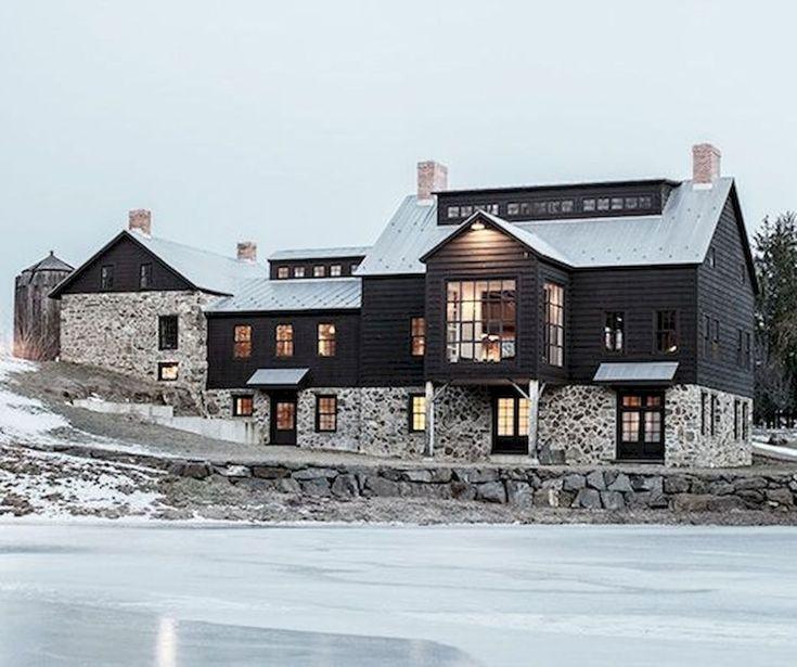 70 stunning farmhouse exterior design ideas (47)