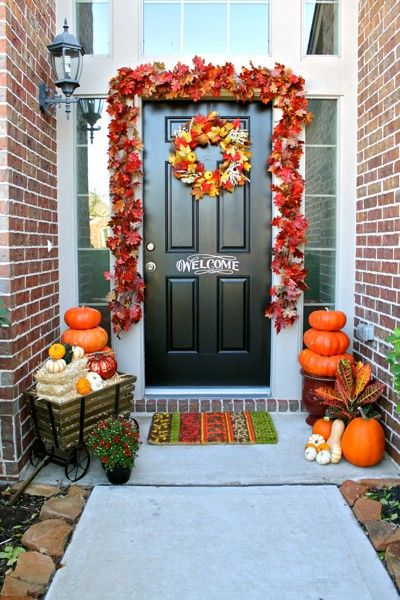 90 fall porch decorating ideas: The Doors, Decor Ideas, Porches Decor, Fall Decor, Front Doors Decor, Black Doors, Decorating Ideas, Fall Porches, Front Porches