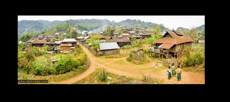 Hi ha un altre tema que em té preocupada i pel que sembla ha deixat de ser notícia... imagino que com tot, quan alguna cosa passa a ser normal deixa d'estar en portada. I em refereixo a la massacre que es segueix vivint a #Myanmar avui dia, ja fa més d'un mes (el problema existeix de fa anys) que les tribus minoritàries #Rohingya son assassinades i brutalment expulsades del país pel que sembla per motius purament econòmics... nose... sembla ser que la Xina té interessos estratègics a la zona…