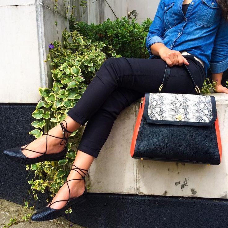 Two words :: CasuaL & FaBuLous :: Flats & Handbag by Piel Argenta  Feliz fin de semana!!!  #pielargenta #handbags #flats #fashion #trendy #happyweekend #hechoamano #hechoencolombia