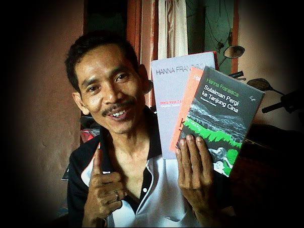 Dalam waktu yang hampir bersamaan, saya mendapatkan kiriman tiga buku yang cukup menarik dari tiga sahabat. Pertama, dari sahabat Budi Maryon...