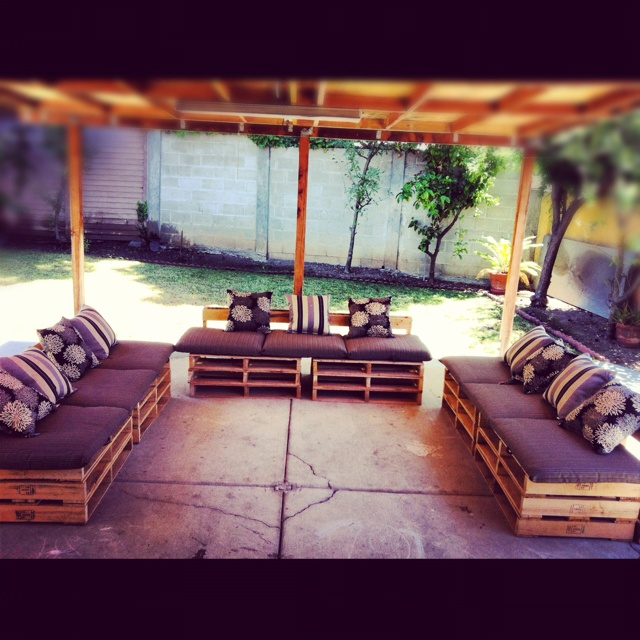 My DIY pallet patio furniture! | Pallot furniture | Pinterest