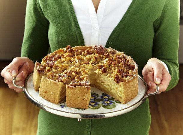 Unser beliebtes Rezept für Apfelkuchen mit karamellisierten Walnüssen und mehr als 55.000 weitere kostenlose Rezepte auf LECKER.de.