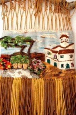 el parral de los pimientos tapiz lanas teñidas manualmente,corchos,madera tapiz de alto lizo