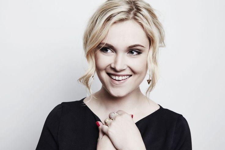 Eliza Taylor - her skin care secrets at http://skincaretips.pro