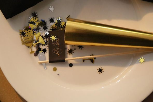 Glam Black & Gold New Year's Styled Shoot #nye #2014 #black #gold #glam #party #parties #dinner #newyearseve #newyears