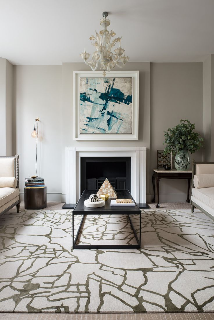 KELLY WEARSTLER   TRACERY RUG. The organic line work of Tracery shifts and shimmers as the light hits the silk threads.