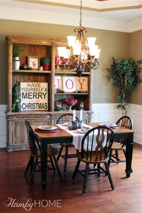 Rustic Traditional Christmas Dining Room