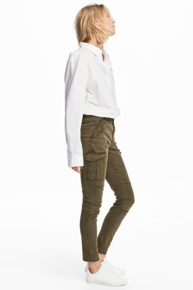 Pantalon Cargo Con Lyocell Verde Caqui Mujer H M Es Green Pants Outfit Smart Casual Wardrobe Cargo Trousers