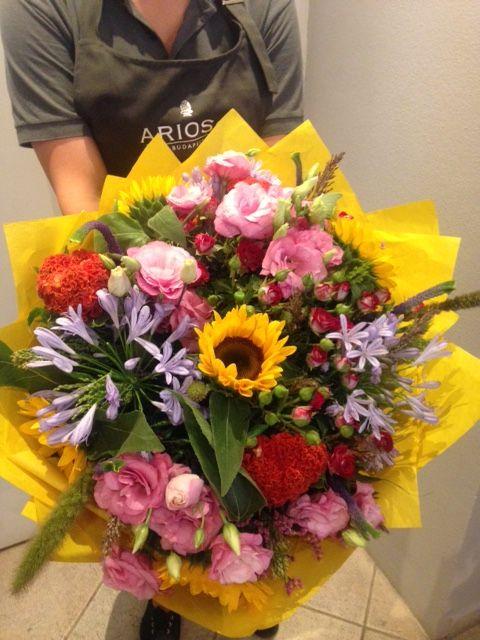 Bright, seasonal flower mix!