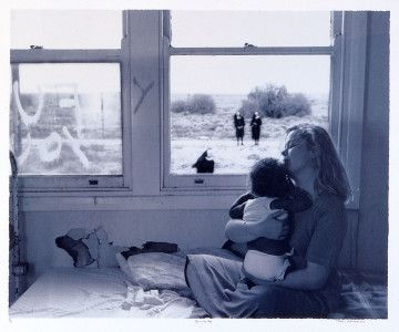 Tracey Moffatt, Untitled (serie Up in the sky), 1987. Stampa sali d'argento